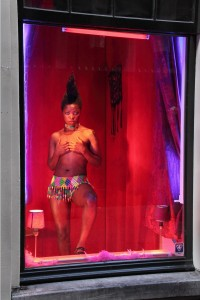 Red-light- Serie Self - Zanele Muholi