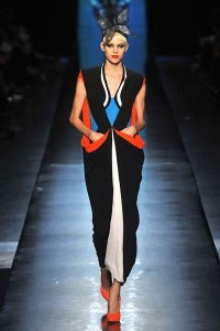 photo-22-photos-du-defile-jean-paul-gaultier-haute-couture-printemps-ete-2014_4708303
