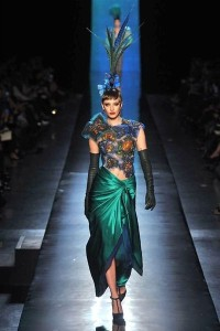 photo-38-photos-du-defile-jean-paul-gaultier-haute-couture-printemps-ete-2014_4708335