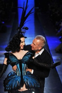 photo-49-photos-du-defile-jean-paul-gaultier-haute-couture-printemps-ete-2014_4708357