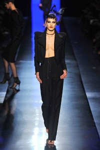 photo-5-photos-du-defile-jean-paul-gaultier-haute-couture-printemps-ete-2014_4708269