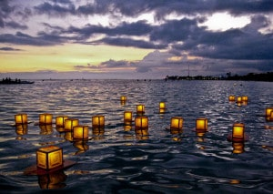 Lantern_Floating_II_by_laiquendi_elf[1]
